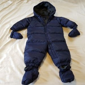 Baby Gap snowsuit size 12 to 18 months